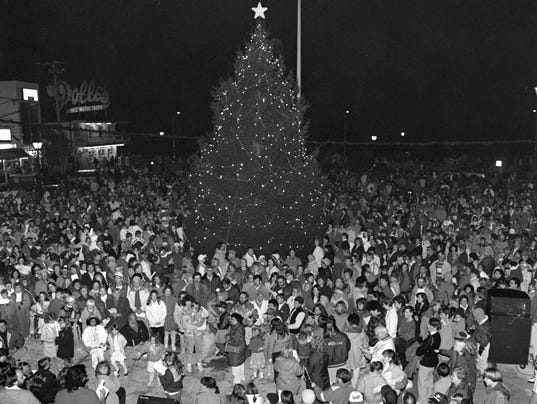 636463378243636174-rehoboth-tree-lighting1.jpg