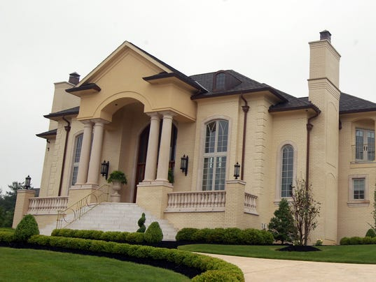 KY VILLA HILLS COUPLE 1.jpg
