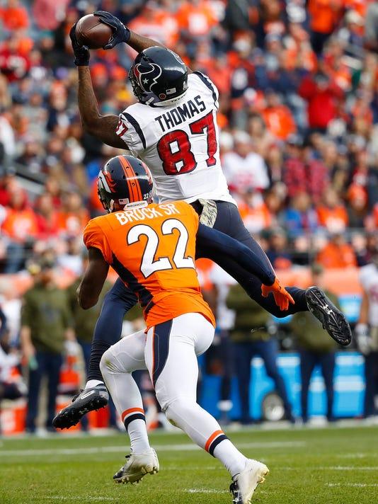 Texans_Broncos_Football_16012.jpg