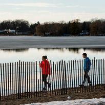 Photos: Spring in February in Milwaukee-Waukesha area