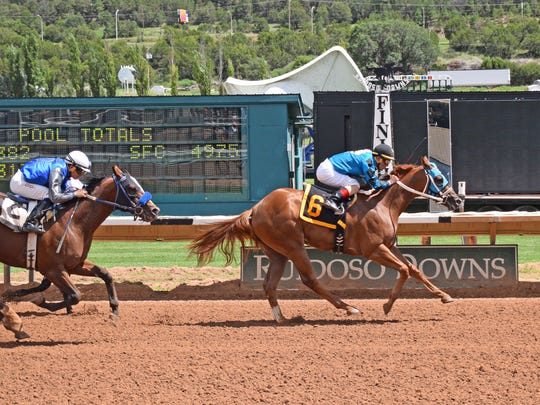 On The Low Down, a $43,000 Ruidoso sale purchase, had an easy trip in his Senor Futurity trial and cruised to a one-and-one-quarter-length win to increase his earnings to $149,527.