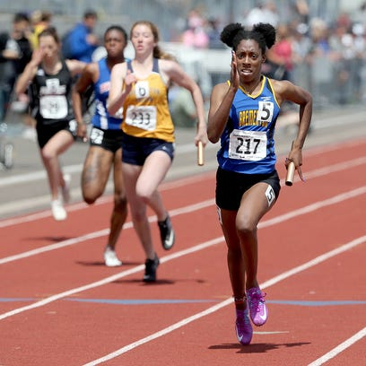Knights track down 4x100 relay state title