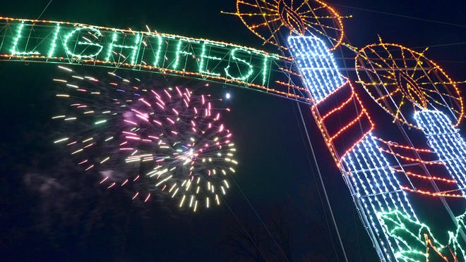 Wayne County Lightfest opens with a bang.