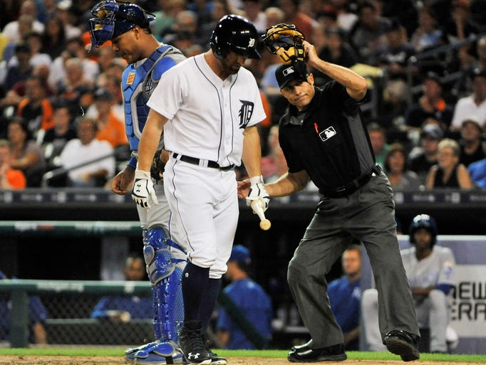 Home plate umpire Dan Iassogna ejects Tigers' Tyler