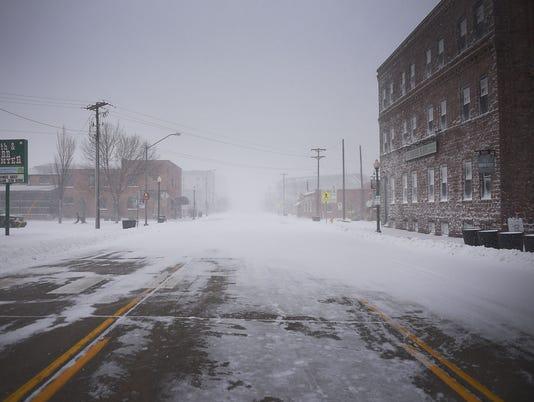 636593122695425323-April-snow-storm-014.JPG