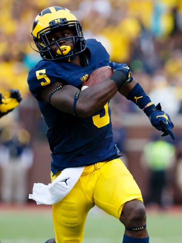 Michigan Wolverines linebacker Jabrill Peppers (5)