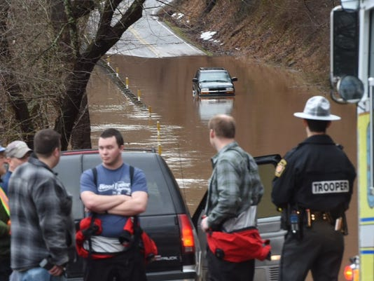 lowres-floodroad.jpg