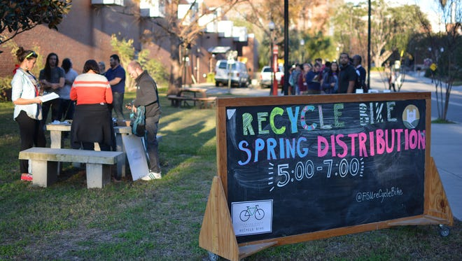 "reCycle FSU seeks to ""educate and engage students, staff, and faculty to set an example of campus sustainability and position FSU as a leader of environmental and social action."""