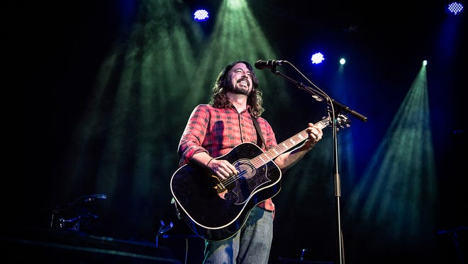 Dave Grohl performing at Sammy Hagar's Acoustic-4-A-Cure.