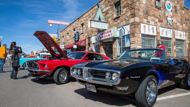 Cool Country Cruise In combines combines classic cars and historic Route 66 in downtown Williams.