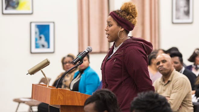January 30, 2018 - Danyell McAdams, student president at Hamilton High School, speaks in favor of keeping the school's principal, Monekea Smith, during the Shelby County Schools board meeting. The Shelby County Schools board will vote Tuesday night whether to demote Hamilton High's principal and suspend her for 20 days following allegations she improperly changed students' grades.Ê