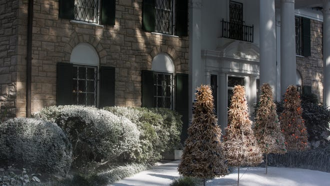 Crews over the summer transformed Graceland into a winter wonderland for a Hallmark Channel Christmas movie that will premiere Thursday evening as part of the holiday season kickoff at Graceland.