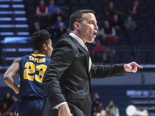 Murray State head coach Matt McMahon reacts during an NCAA college basketball game against Mississippi, Thursday, Dec. 15, 2016 in Oxford, Miss. (Bruce Newman/The Oxford Eagle via AP)