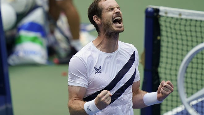 Andy Murray celebrates defeating Yoshihito Nishioka in the first round of the U.S. Open in New York on Tuesday.