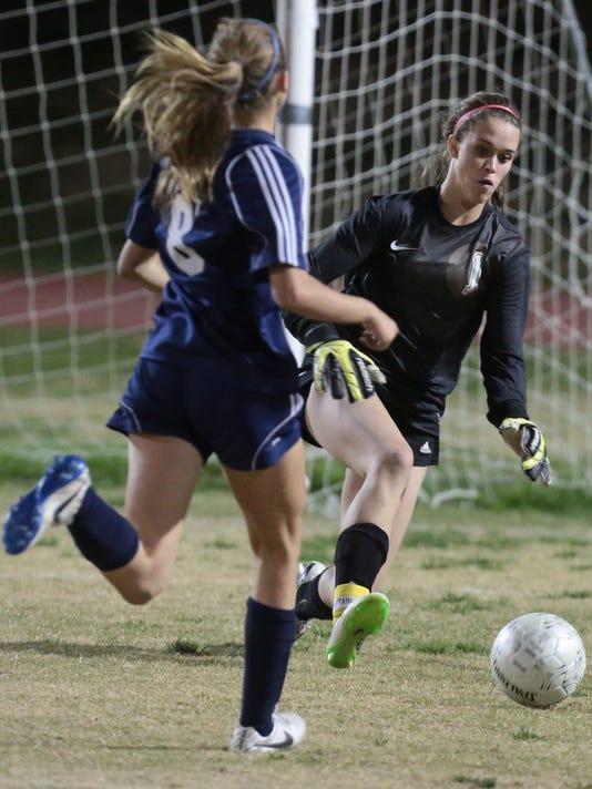 TDS PD_LQ girls soccer003.JPG