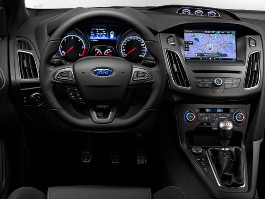 The Focus ST offers the available new SYNC 3 operating system with 8-inch touch screen, offering customers an enhanced voice recognition and entertainment experience.