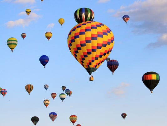 635726617246937711-balloon-photo-mass-flight-colorful