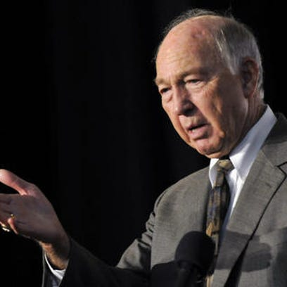 Bart Starr, NFL Hall of Fame quarterback, is honored