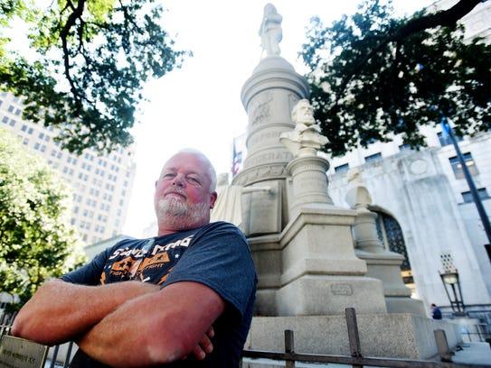 Ken Calhoun of the Louisiana Patriot Militia, in front