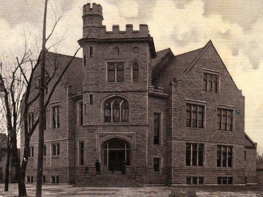 Fond du Lac Public Library, postcard. Date unknown.