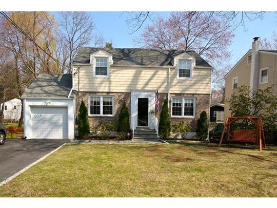 100 Clarence Rd Scarsdale