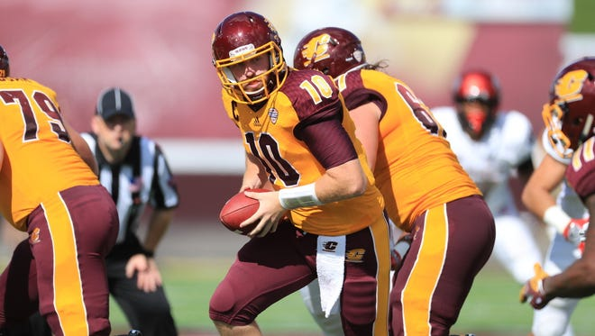Central Michigan quarterback Cooper Rush was named  the Mid-American Conference West Division co-offensive player of the week Monday.