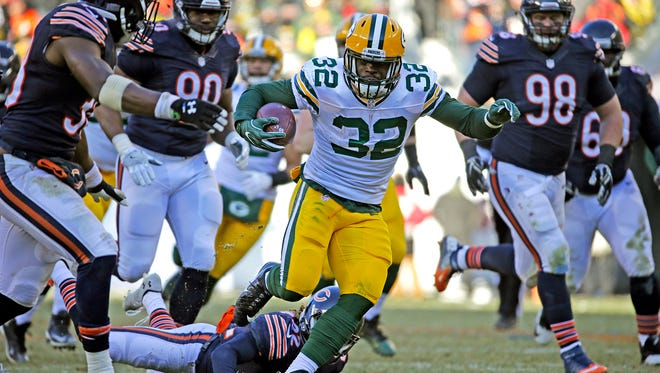 Green Bay Packers running back Christine Michael (32) picks up 42 yards and a touchdown in the third quarter during the Packers' 30-27 win over the Bears on Dec. 18, 2016 at Soldier Field in Chicago.