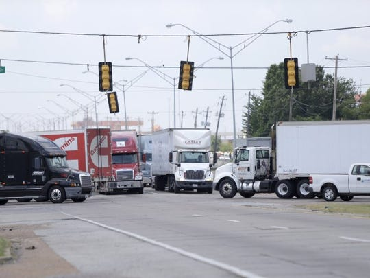 June 21, 2016- Traffic congestion on Lamar Avenue at Shelby Drive. TDOT is seeking $180 million in federal grant funds for widening projects on Lamar Avenue. (Nikki Boertman/The Commercial Appeal)