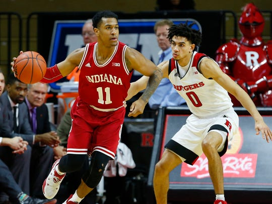 Indiana Hoosiers guard Devonte Green (11) dribbles