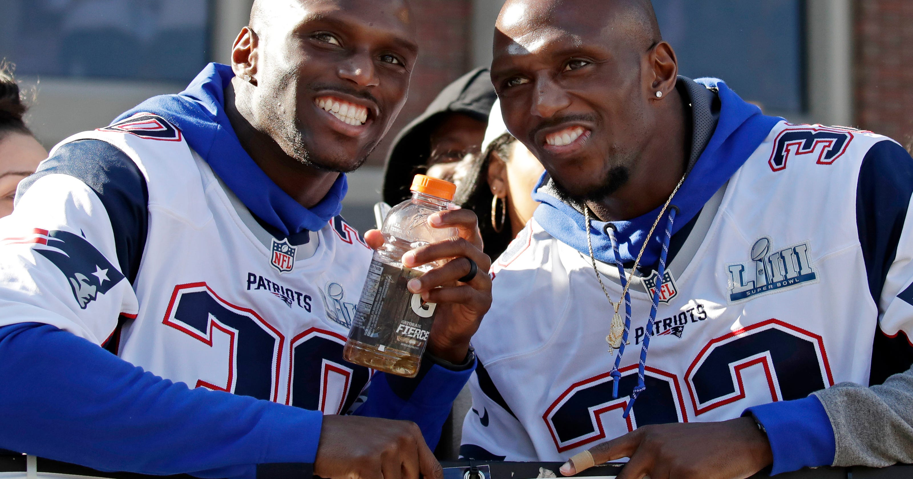 detailed look 25bac 34d2e Super Bowl-winning McCourty twins will give Rutgers ...