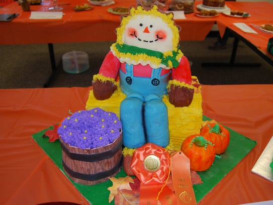 This autumn-themed entry in the Mishicot Pumpkinfest