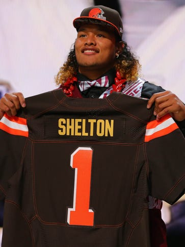 Danny Shelton (Washington) poses for a photo after