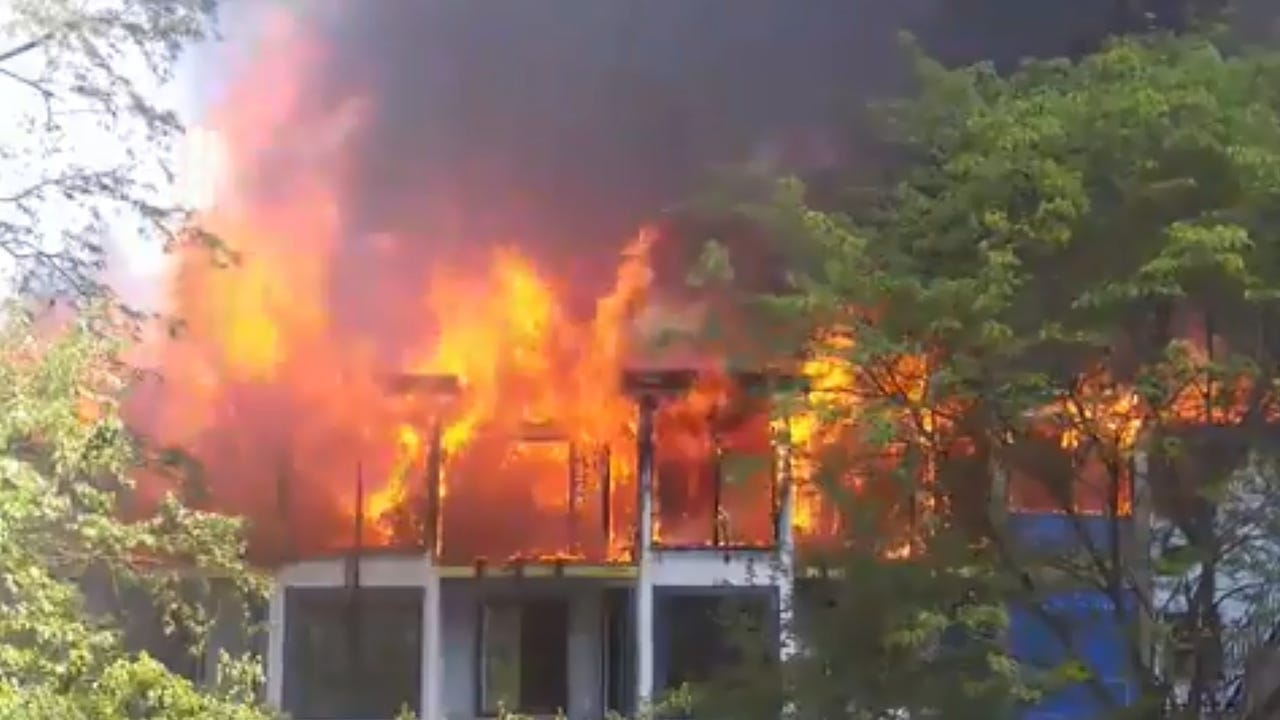 Video: Fire tears through Yonkers building