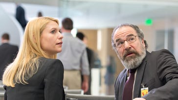 Claire Danes as Carrie Mathison and Mandy Patinkin as Saul Berenson in 'Homeland' (Season 3, Episode 12).