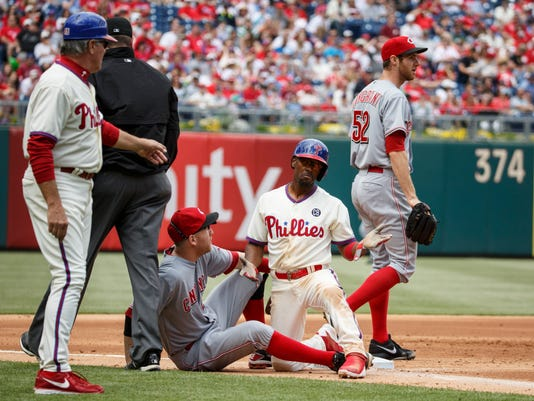 Reds Phillies Baseball (2)