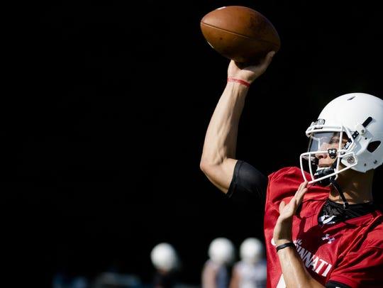 Cincinnati Bearcats redshirt freshman quarterback Desmond