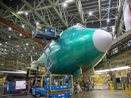 747-8-TOUR-AT-BOEING001_65290600
