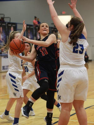 White House Heritage's Callie Roach drives against White House on Fri. Jan. 19, 2018.  Photo by Dave Cardaciotto