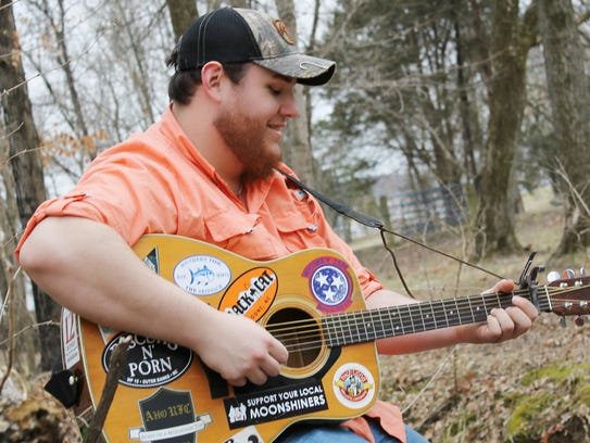 Meet the Jerry Maguire of country music Jerry Maguire Show Me The Money
