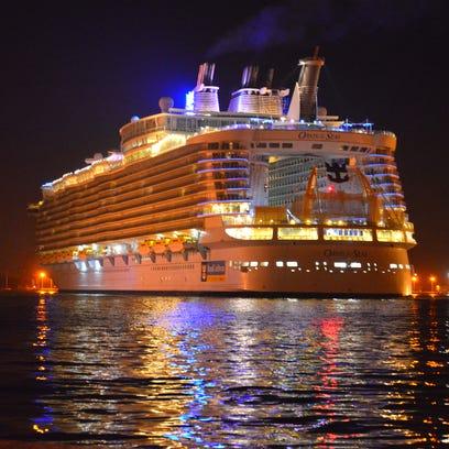 Sample dining aboard Oasis of the Seas megaship