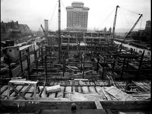 Grove Aracde construction 1927 ball1557 - 3000px