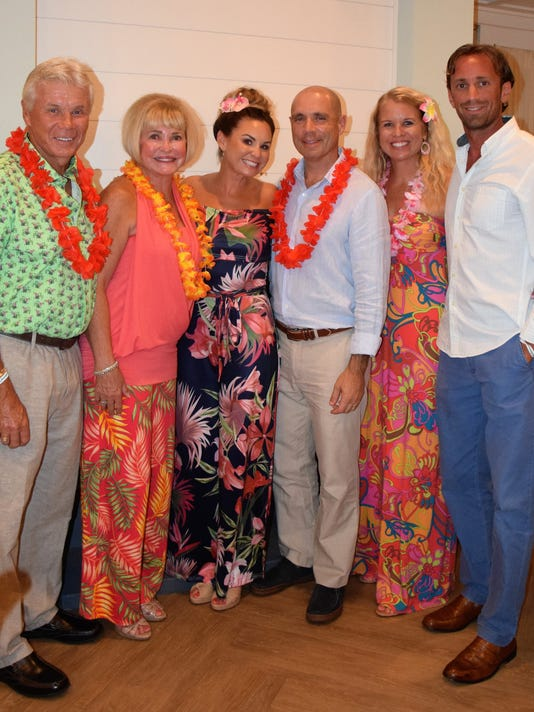 636669103860397841-LUAU-03-Dr.-John-Marlene-Cairns-Dr.-Phil-Julie-Cromer-and-Katie-Eric-Smith.jpg