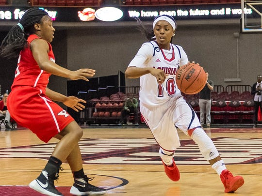 UL guard Kia Wilridge (10) driving to the basket during the Cajuns' win over Youngstown State on Wednesday at the Cajundome.