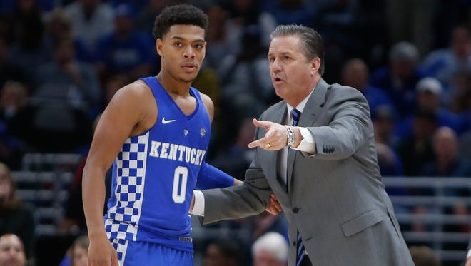 Kentucky coach John Calipari talks with Quade Green  during the game against Kansas during the 2017 Champions Classic at the United Center in Chicago, IL on Tuesday, November 14, 2017.