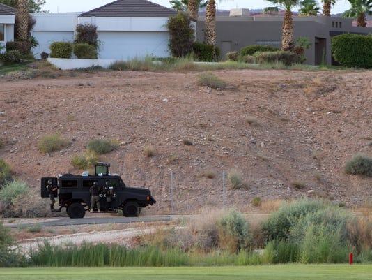 STG 0803 sgpd swat standoff 01.jpg