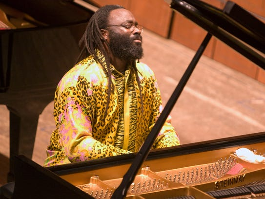 Awadagin Pratt performs Brahms' Concerto No. 1 with