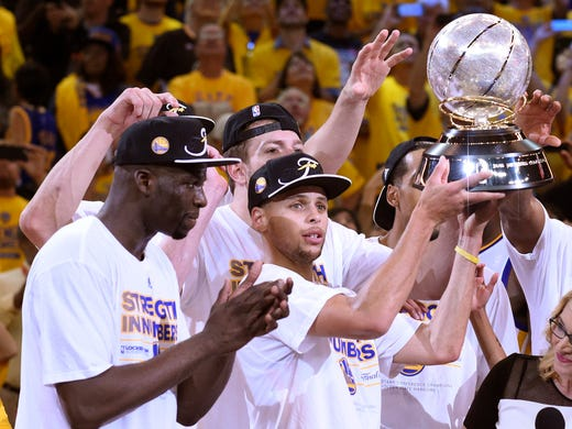 4b0ae5e0fcd Golden State Warriors guard Stephen Curry (30) celebrates