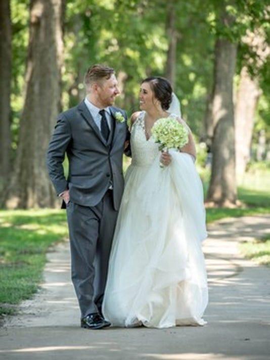 Weddings: Anna Brown & Devon Thorne