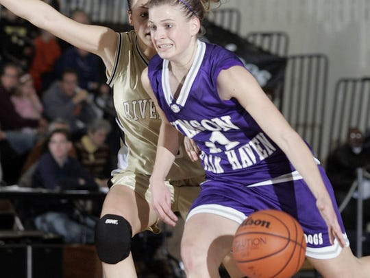 Rumson-Fair Haven's  Caitlin Hyduke drives against River Dell in the 2006 NJSIAA Group II final.