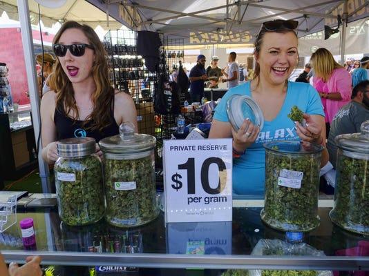 IMG_California_Marijuana_12_1_V1K72J0E.jpg_20171115.jpg